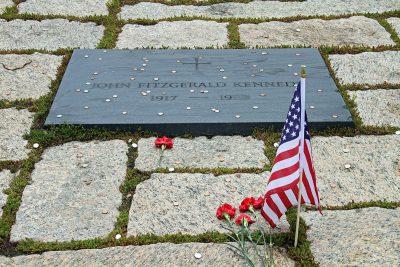 Der Grabstein von John F. Kennedy