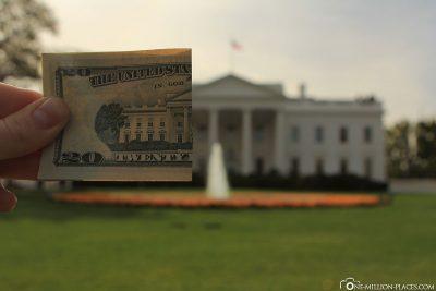 Ein halber 20 Dollar Geldschein mit dem Weißen Haus