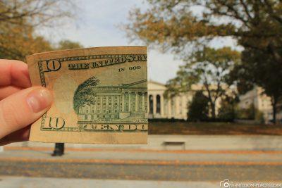 Ein halber 10 Dollar Geldschein mit dem US-Finanzministerium