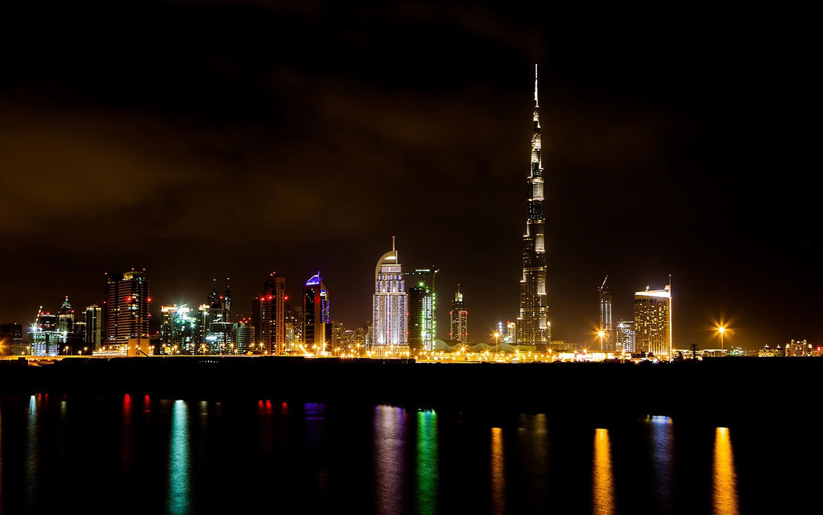 Dubai Skyline, Nachts, Sehenswürdigkeiten, Vereinigte Arabische Emirate, Reisebericht