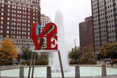 Die Love Skulptur von Robert Indiana