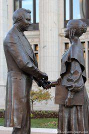 Statue Joseph & Emma Smith