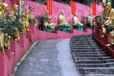 The way with the Buddhas to the monastery