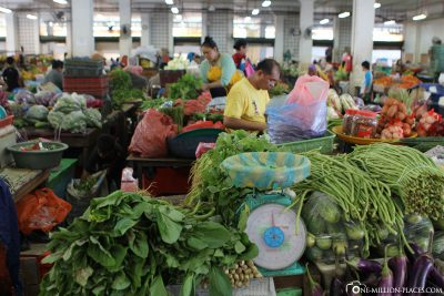 The weekly market in Sandakan