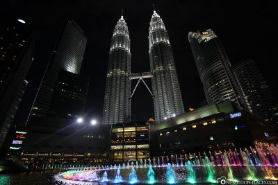 The water and light show in KLCC Park