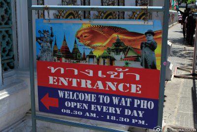 Der Eingang zu Wat Pho