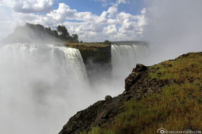 The waterfalls from the Zimbabwe side