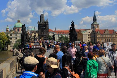 The really full Charles Bridge in Prague