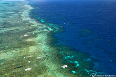 Sightseeing flight over the Great Barrier Reef