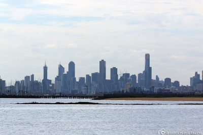 View from the beach to the Melbourne skyline