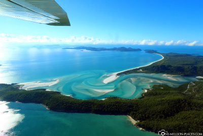 Flight over the Whitsunday Islands