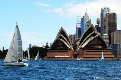 Das Sydney Opera House im Port Jackson