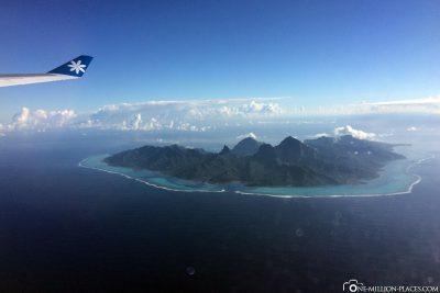 Flug über die schönen Südseeinseln