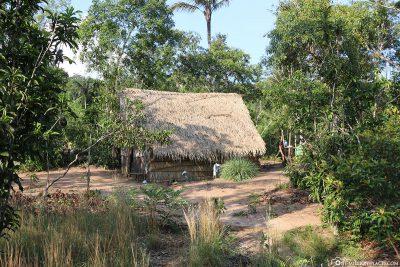 Die Hütten des Indianerdorfes