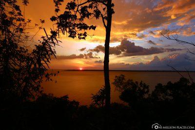 Sonnenuntergang am Amazonas