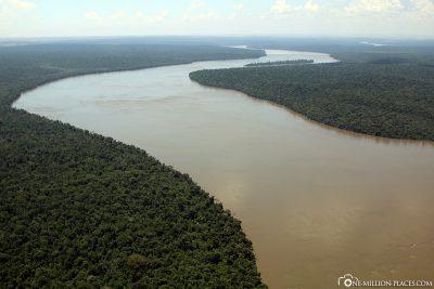 Flight along the Rio Iguacu