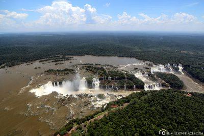 Die Iguazu Wasserfälle von oben
