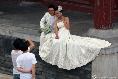 Wedding couples at the Temple of Heaven
