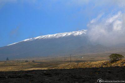 Der schneebedeckte Vulkan Mauna Kea