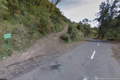 Die Abzweigung von der Straße zum Aussichtspunkt