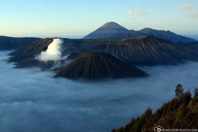 Das erste Sonnenlicht auf den Krater