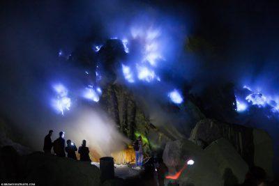 Die Blue Flames des Ijen Kraters