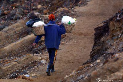 Die Minenarbeiter im Krater