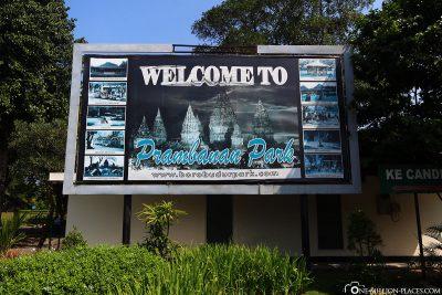 Willkommen am Prambanan Tempel