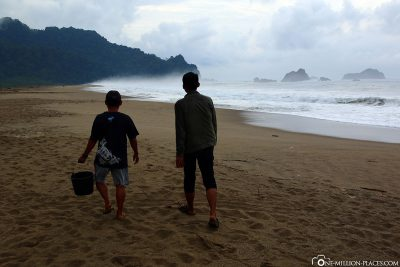 Finding a suitable place on the beach