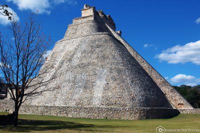 The Adivino Pyramid