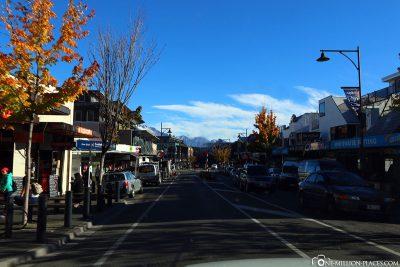 Die Hauptstraße in Queenstown