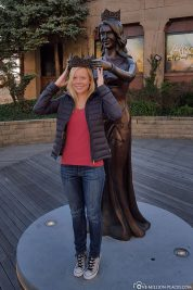 Statue of Miss America Choice