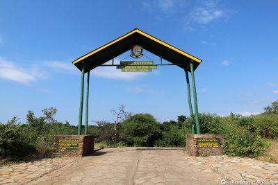 Der Eingang zum Lake Manyara Nationalpark