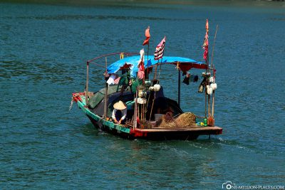 The small boats of the floating merchants