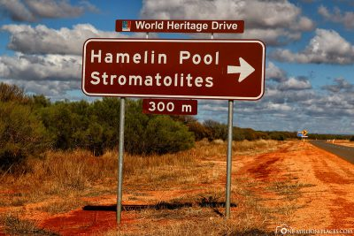 Signpost to Hamelin Pool