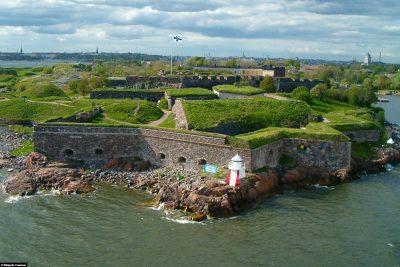Suomenlinna von der Seeseite