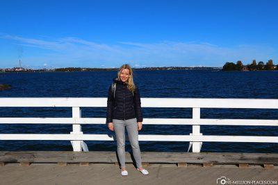 Auf der Brücke Pikku-Mustan