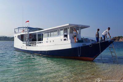 Das Tachboot vom Angel Island Resort