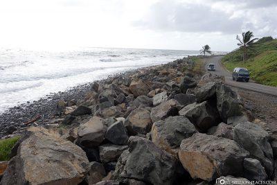 The Windward Highway on the coast