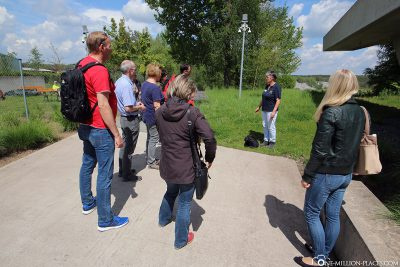 Guided tour of the pit