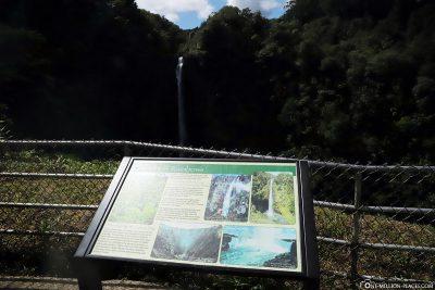 Infotafel an den Akaka Falls