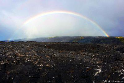 Regenbogen über der Kilauea East Rift Zone
