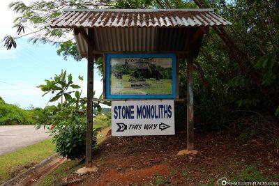 Einfahrt zu den Badrulchau Stein-Monolithen