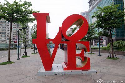 Die Love-Skulptur in Taipeh