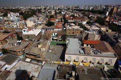Blick vom Shacolas Tower über Nikosia