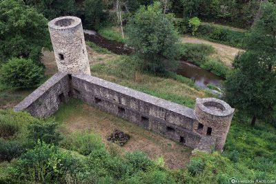 Reste der alten Burgmauern