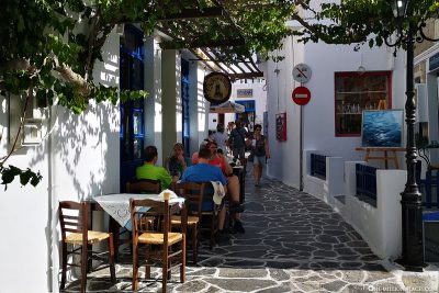 Cafes and restaurants in Plaka