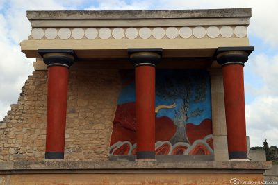 Reconstructed north entrance of the Palace of Knossos