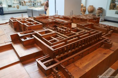Reconstruction of the Palace of Knossos