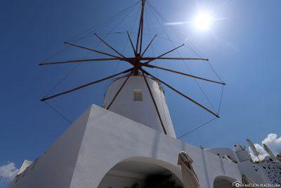 Windmühle in Oia auf Santorini